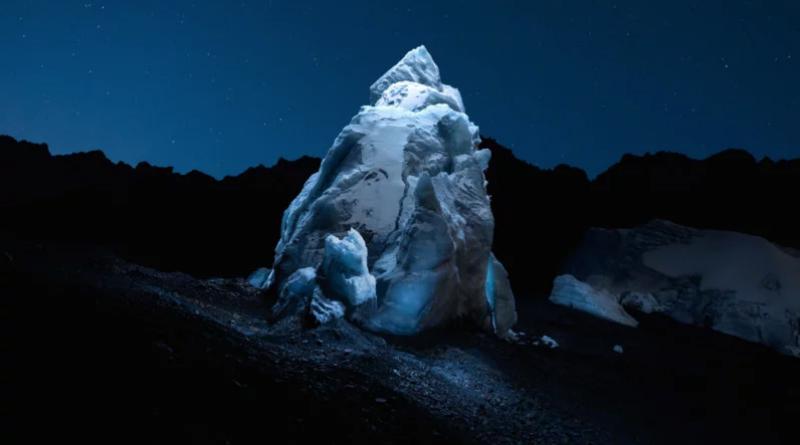 نورپردازی کوههای یخ با پهپاد!